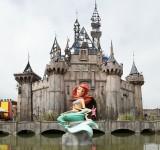 Banksy'nin Distopik Disneyland'i: Dismaland